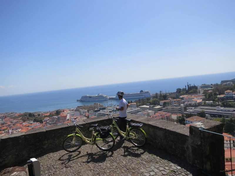 Passeio de Bicicleta Funchal