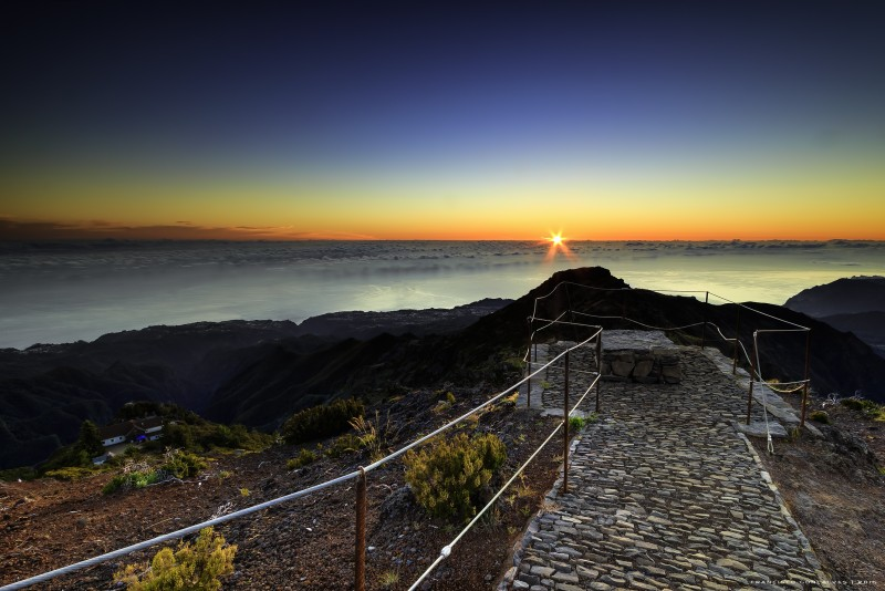 Madeira Sunrise at highgest Madeira peak and 4x4 tour