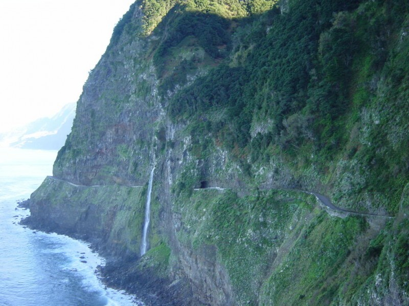 Waterfalls and Caves Routes